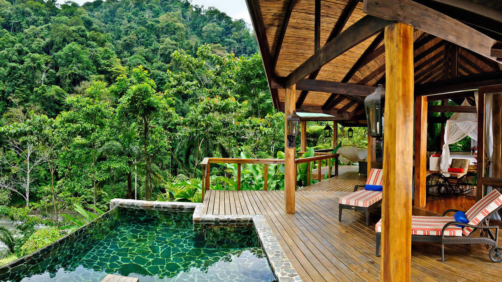 Top ten hotels to get you off the grid travganic for Jungle house costa rica